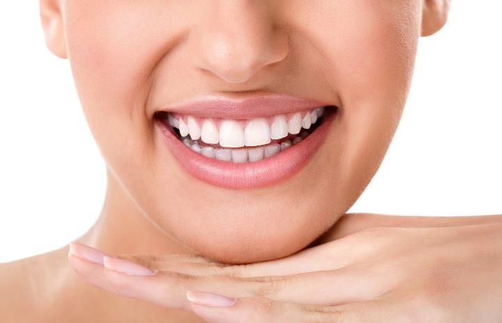 clínica dental en Villanueva del Pardillo - Sonrisa blanca