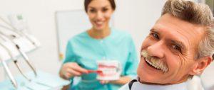 adhesivos para prótesis dentales - clinica dental