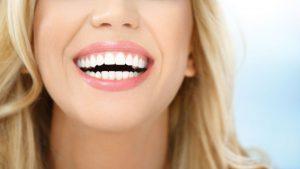 odontologia estetica en Majadahonda - rubia sonriendo