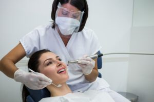 clínica dental cerca de brunete - limpieza